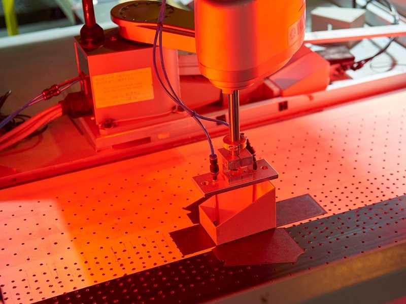 automated gift box manufacturing machine
